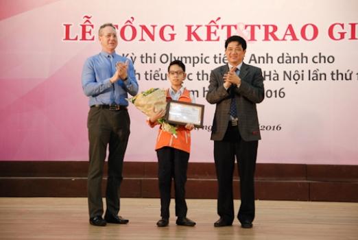 Em Nguyễn Cường Linh giành quán quân Olympic tiếng Anh tiểu học