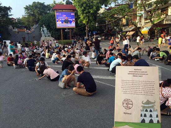 Trò chơi dân gian trên tuyến phố đi bộ Hà Nội