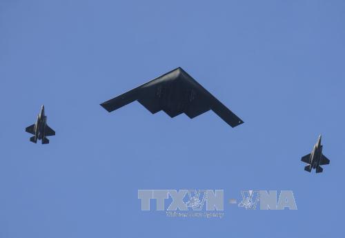 Mỹ điều máy bay ném bom tàng hình B-2 tới đảo Guam