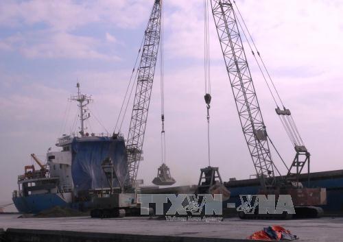 Ngành hàng hải lùi thời hạn kiểm tra tàu biển để phòng...