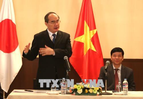 Trong chuyến thăm và làm việc tại Nhật Bản từ ngày 18-25/3, chiều 18/3, tại  Đại sứ quán Việt Nam tại Nhật Bản, đồng chí Nguyễn Thiện Nhân, Ủy viên Bộ  Chính ...