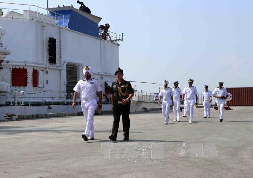 Ba tàu Hải quân Ấn Độ thăm thành phố Đà Nẵng