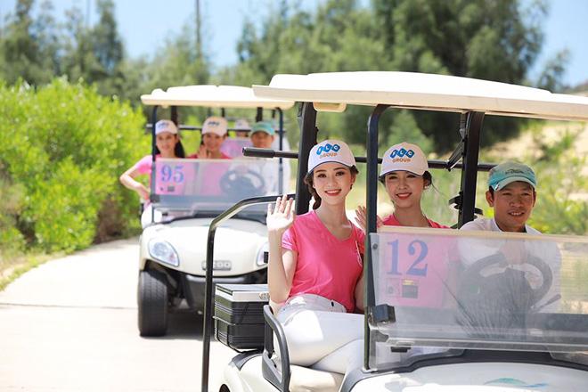 Nằm trong quần thể FLC Quy Nhon Beach & Golf Resort, FLC Quy Nhon Golf Links là sự kết hợp hài hòa độc đáo của sân golf 36 hố và khung cảnh nên thơ của bờ biển Nhơn Lý với địa danh Eo Gió nơi được xem là có cảnh bình minh đẹp nhất Việt Nam.