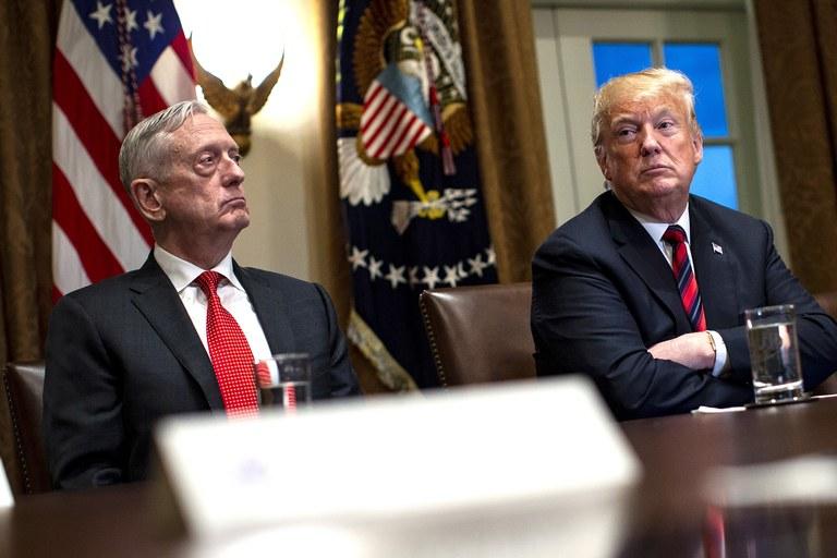Tổng thống Trump chật vật tìm người mới ''cai quản'' Lầu Năm Góc