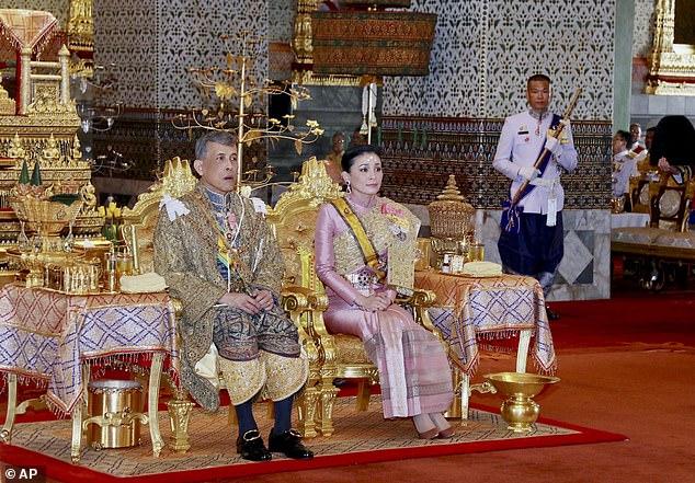 Hoàng quý phi Thái Lan bị phát tán 1.400 ảnh khiêu dâm Maha-germany