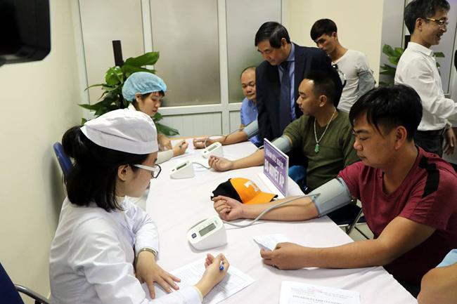 Khám sức khỏe cho lái xe tại Bệnh viện Đại học kỹ thuật y tế Hải Dương.