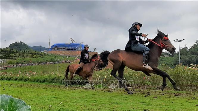 Giải đua 'Vó ngựa trên mây'hồi sinh vẻ đẹp Tây Bắc