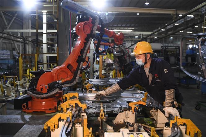 Tin Kinh tế: Hoạt động sản xuất của châu Á đình trệ trên diện rộng