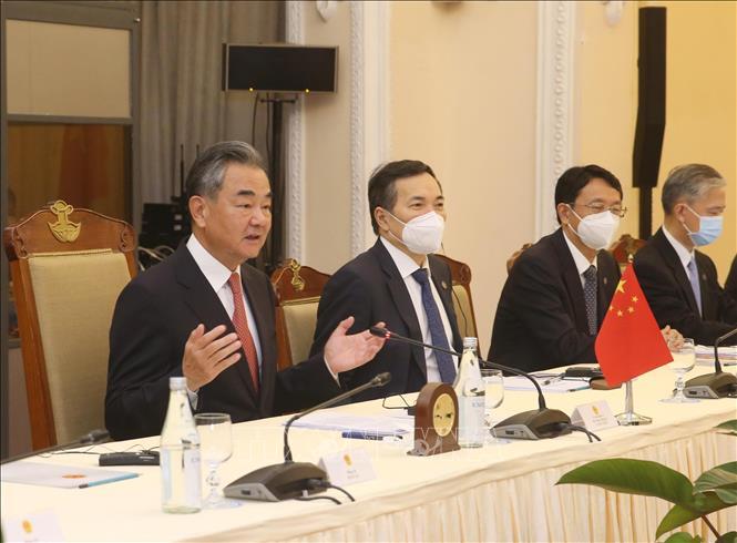 Bộ trưởng Ngoại giao Trung Quốc Vương Nghị phát biểu tại cuộc hội đàm với Bộ trưởng Ngoại giao Bùi Thanh Sơn.