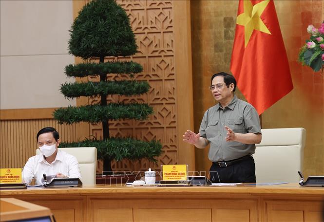 Thủ tướng Phạm Minh Chính chỉ đạo tại cuộc họp.