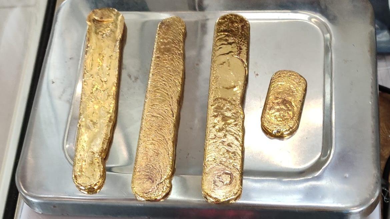 Cảnh sát Ấn Độ bắt giữ người nuốt gần 1kg vàng để buôn lậu