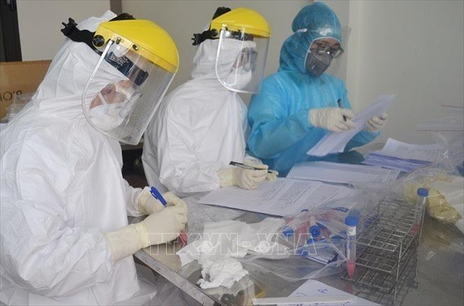 Ngày 14/4, Việt Nam ghi nhận 1 ca mắc COVID-19, là người từng đến Bệnh viện Bạch Mai