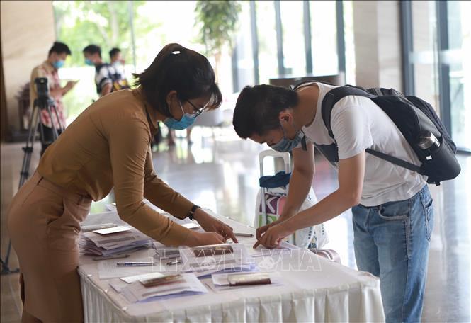 COVID-19 ngày 12/7: Việt Nam ghi nhận 2 ca mắc mới; du lịch nội địa tiếp tục phục hồi