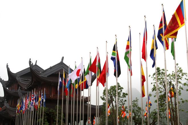 """Chủ đề của Vesak 2019 là """"Cách tiếp cận của Phật giáo về sự lãnh đạo toàn cầu và trách nhiệm cùng chia sẻ vì xã hội bền vững""""."""
