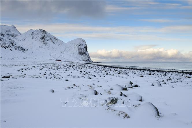 Nền nhiệt Bắc Cực tăng nhanh kỷ lục làm gia tăng số lượng các cơn bão