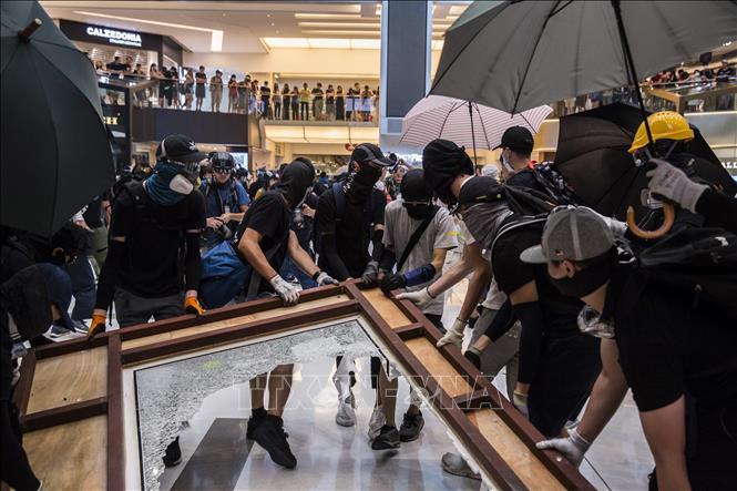 Cảnh sát Hong Kong bắt giữ 80 người biểu tình quá khích