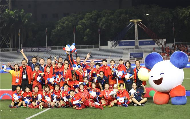 Đội tuyển nữ Việt Nam từ chối nhận quà từ Công ty cổ phần tập đoàn hóa chất Đức Giang