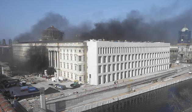 Cháy Stadtschloss tại trung tâm thủ đô Berlin, Đức