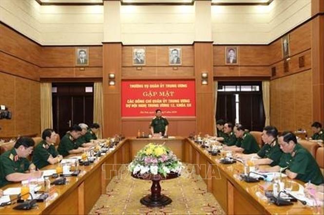 Gặp mặt các đồng chí Ủy viên Quân ủy Trung ương dự Hội nghị Trung ương 12, khóa XI
