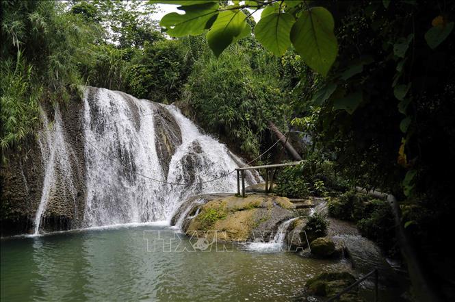 Thác Mơ (hồ thủy điện Tuyên Quang) - điểm đến hấp dẫn du khách.