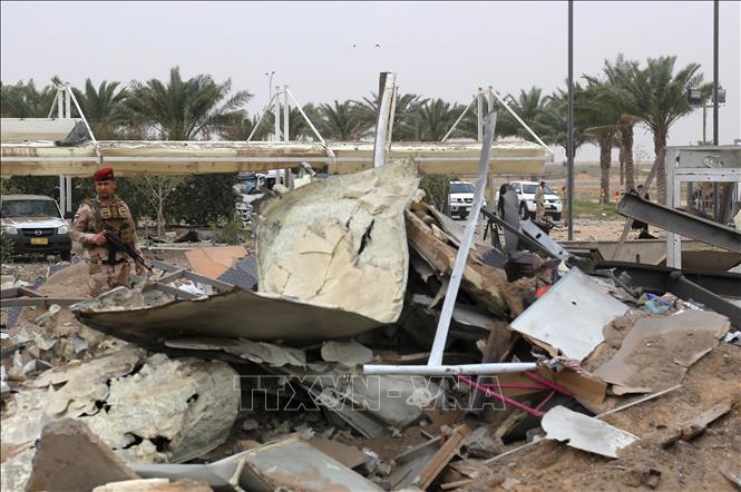 Rocket rơi gần sân bay quốc tế Baghdad nhưng không phát nổ