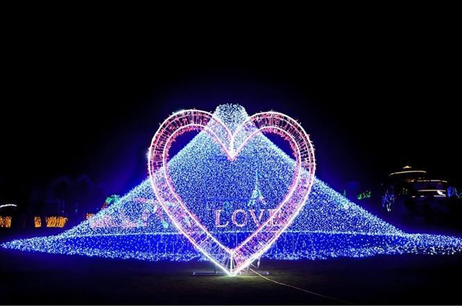 Lần đầu tiên Đà Lạt tổ chức chương trình trình diễn nghệ thuật ánh sáng