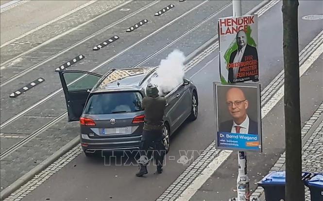 Vụ nổ súng tại thành phố Halle có động cơ bài người nước ngoài