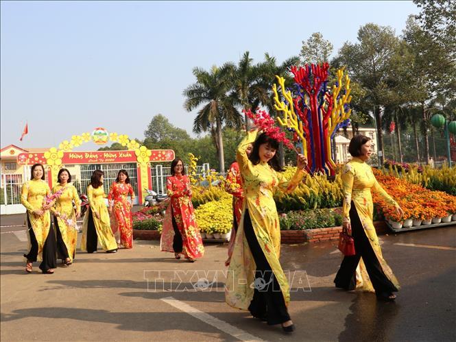 Đường hoa Bình Phước mở cửa phục vụ nhân dân vui Xuân, đón Tết