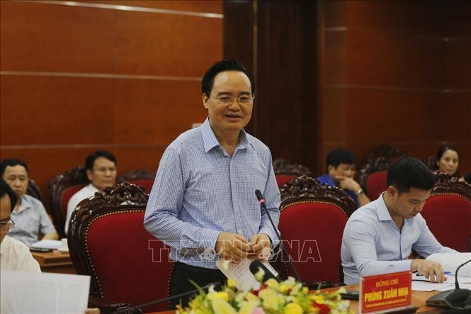 Bộ trưởng GD&ĐT yêu cầu Hòa Bình chuẩn bị kỹ cho kỳ thi tốt nghiệp THPT