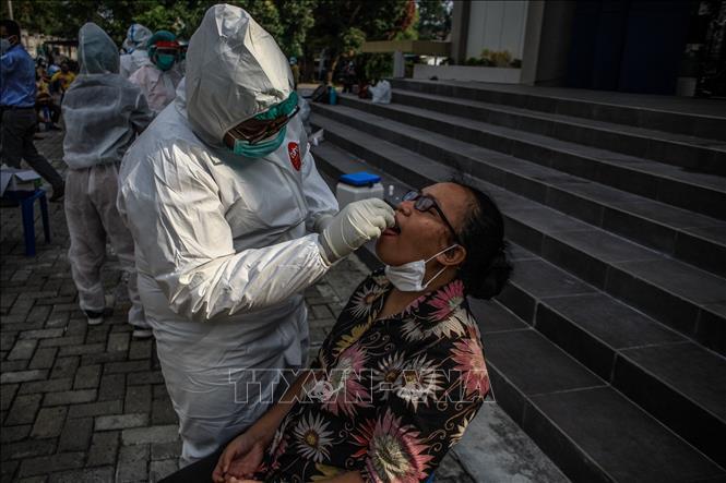 Dịch COVID-19 tiếp tục lây lan tại Indonesia và Malaysia