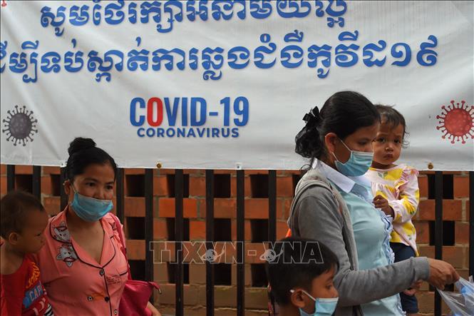 Cách ly trên 10.000 người liên quan đến ''sự cố cộng đồng'' tại Phnom Penh