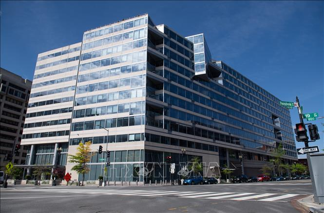 Trụ sở Quỹ Tiền tệ quốc tế (IMF) ở Washington, DC, ngày 15/4/2020. Ảnh: AFP/TTXVN