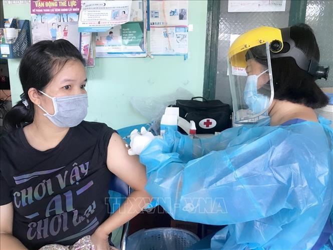 Vaccine là 'chìa khóa' để Bình Dương về trạng thái 'bình thường mới'