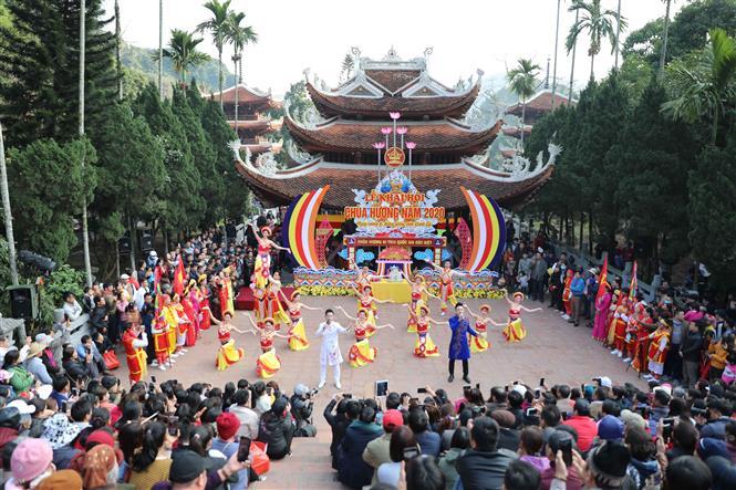 Dừng tổ chức Lễ hội Chùa Hương năm 2021 - Báo Điện Tử Đại Biểu Nhân Dân