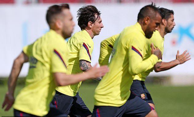 """Messi: """"Bóng đá sẽ không bao giờ được như trước"""""""