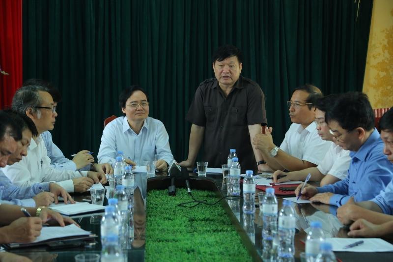 Buổi làm việc với trường THCS Phù Ủng, nơi nữ sinh bị đánh hội đồng
