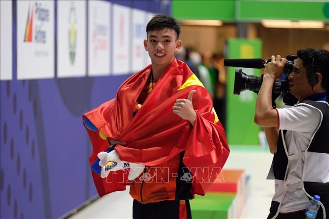 Tài năng bơi lội Nguyễn Huy Hoàng vẫn chưa thể tập huấn ở nước ngoài