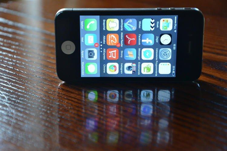 Dại dột bán thận mua iPhone, nam sinh tàn phế cả đời
