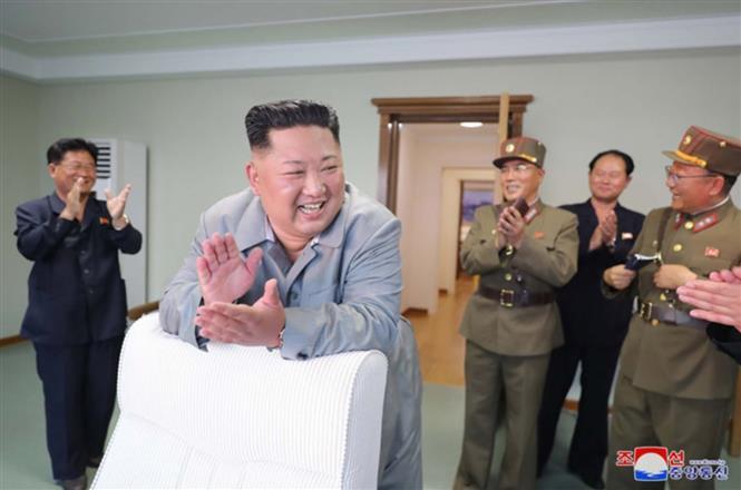 Nhà lãnh đạo Triều Tiên Kim Jong-un chỉ đạo vụ phóng
