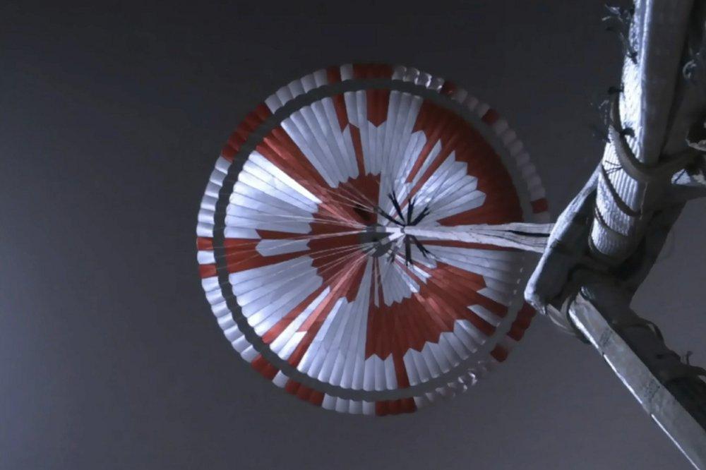 NASA giấu mật mã gì trong chiếc dù của tàu thăm dò Sao Hỏa?
