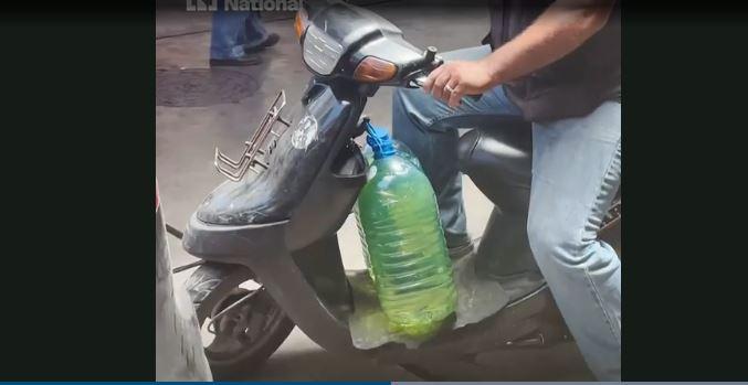 Khan hiếm nhiên liệu, người dân Liban phải xếp hàng nhiều giờ để mua xăng