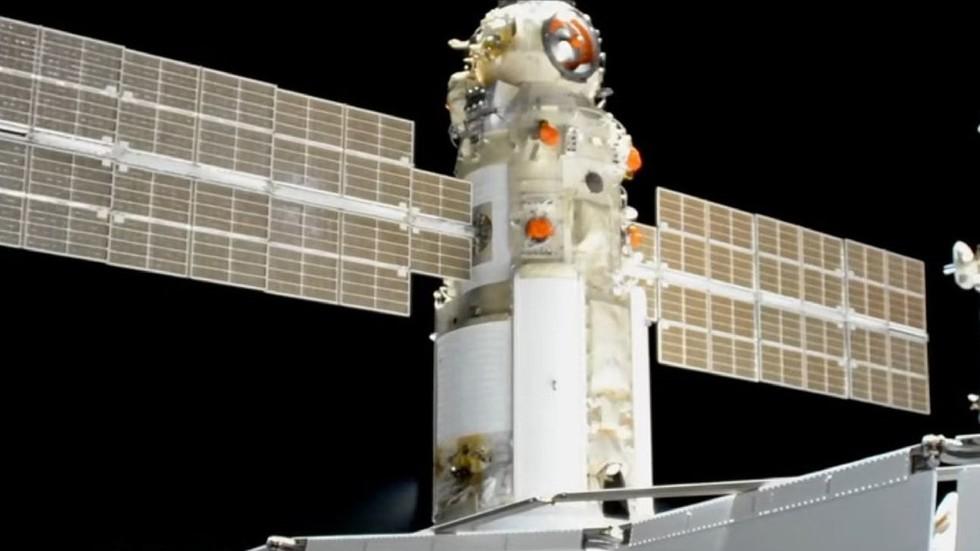 Mô-đun vũ trụ Nga bất ngờ nổ động cơ, đẩy trạm ISS xoay lệch trục