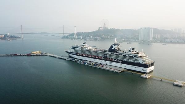 Cảng tàu khách du lịch quốc tế chuyên biệt Hạ Long đầu tiên của cả nước