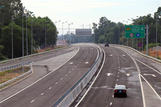 Cao tốc Đà Nẵng - Quảng Ngãi. Ảnh: Trần Tĩnh/TTXVN