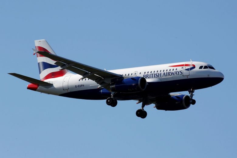 Lo khủng bố, một số hãng hàng không châu Âu bất ngờ đình chỉ bay tới Ai Cập