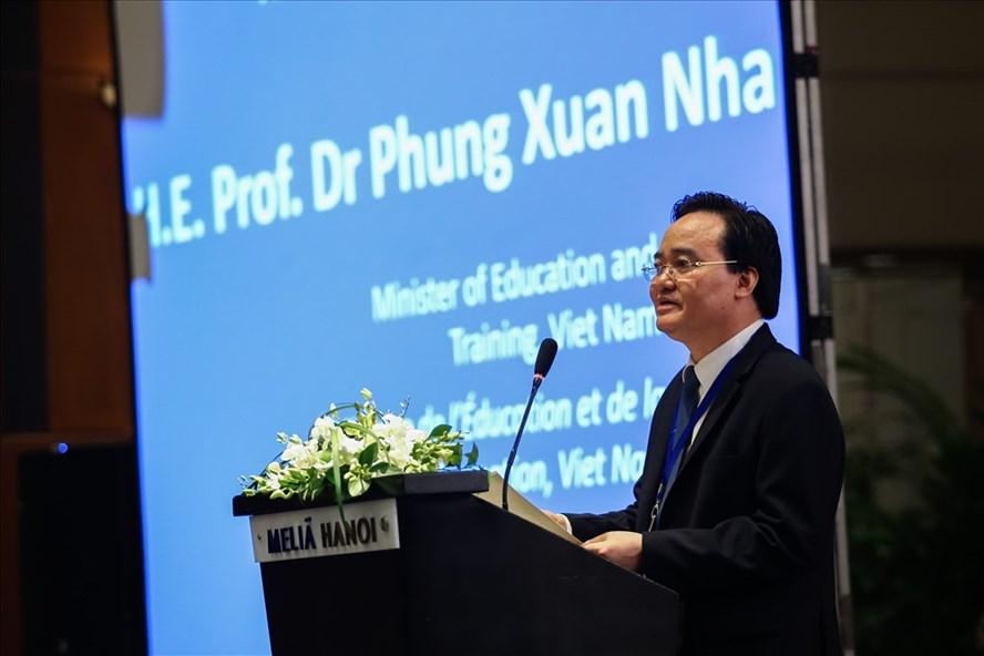 Chú thích: Bộ trưởng Phùng Xuân Nhạ phát biểu khai mạc Diễn đàn