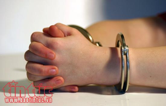 Lừa đảo chiếm đoạt gần 240 tỉ đồng, ''nữ quái'' lĩnh 17 năm tù