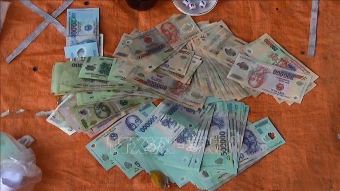 Điện Biên: Kỷ luật 4 cán bộ, công chức xã vì ''đánh bạc trái phép''