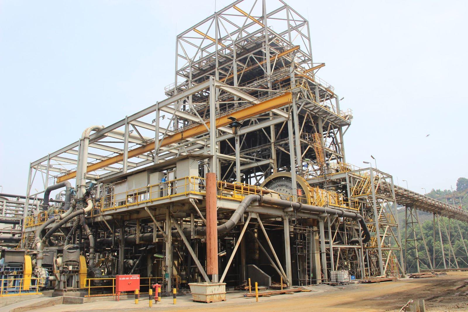 Một góc Nhà máy chế biến khoáng sản Núi Pháo