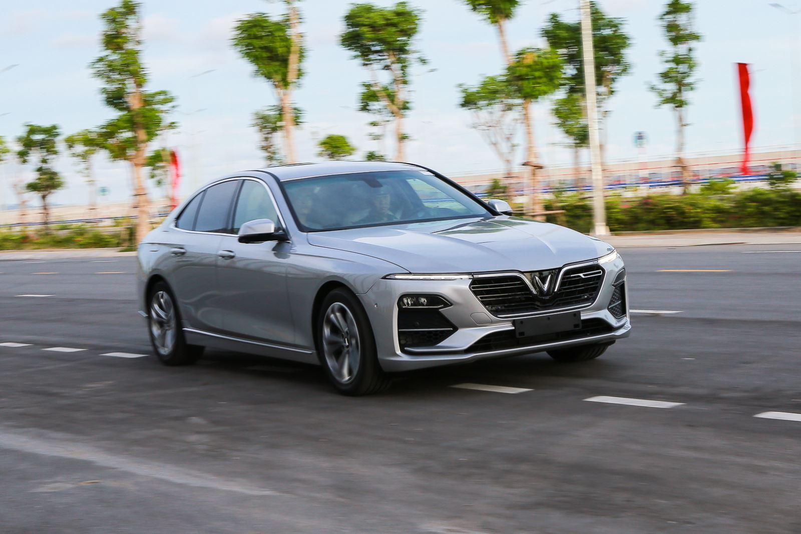 Ảnh chi tiết mẫu sedan cao cấp VinFast Lux A2.0 mới ra thị trường |  baotintuc.vn